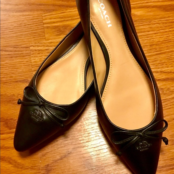 Coach Shoes - Coach Shoes sz 6 B. Pre-owned. Great condition